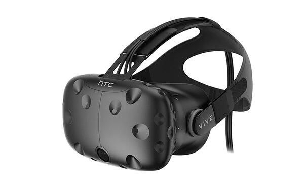HTC Viveの「HMD」(ヘッドマウントディスプレイ)。これだけだと音声は聞けないので別途ヘッドフォンを装着する