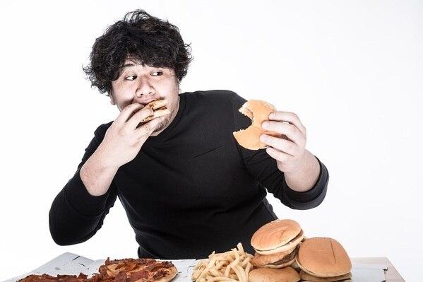 食べ過ぎ 寝不足