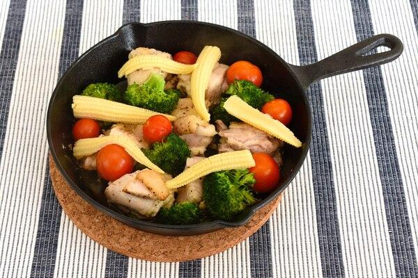 鶏肉と彩り野菜のグリル ニトリ 二トスキ