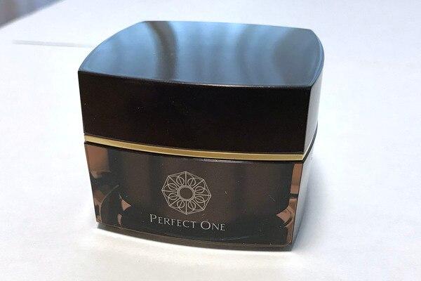 新日本製薬「パーフェクトワン SPナイトクリーム」のパッケージ