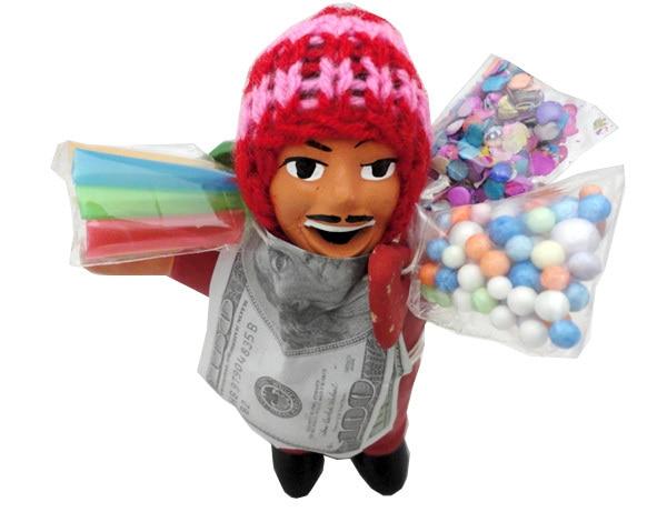 開運世界のお守り屋で売っている本物のエケコ人形