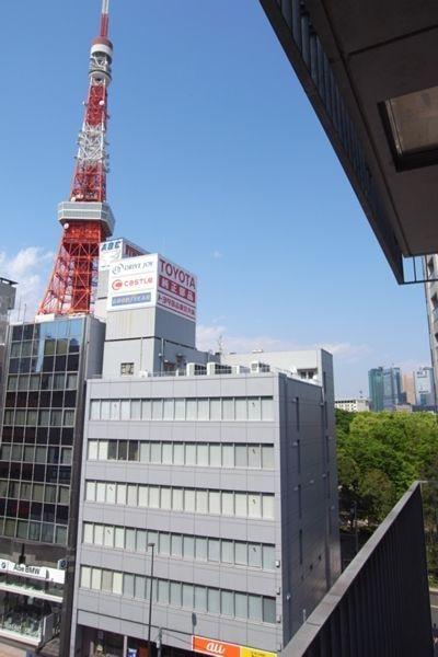 バルコニーから東京タワーが見えます