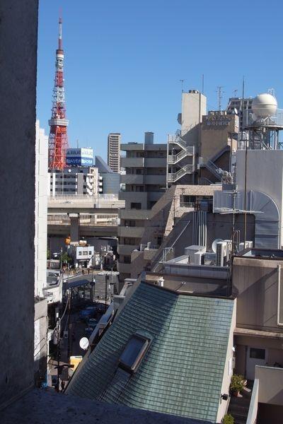 部屋からは東京タワーが見えます