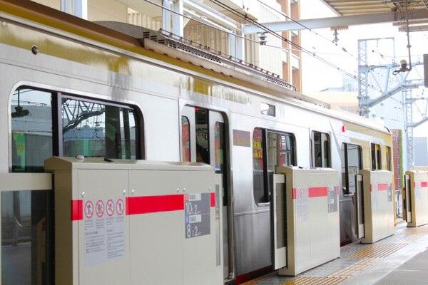 電車のホーム