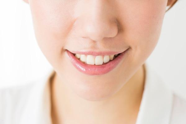 前歯が大きいのは矯正で治せるの?