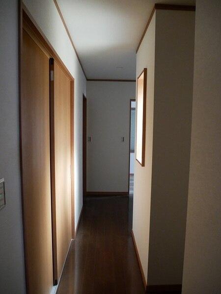 愛知県丹羽郡M様邸-中廊下壁面放光部