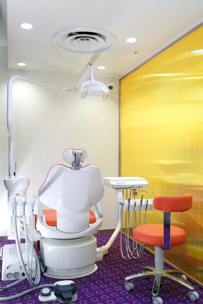 おとなとこどもの矯正歯科photo