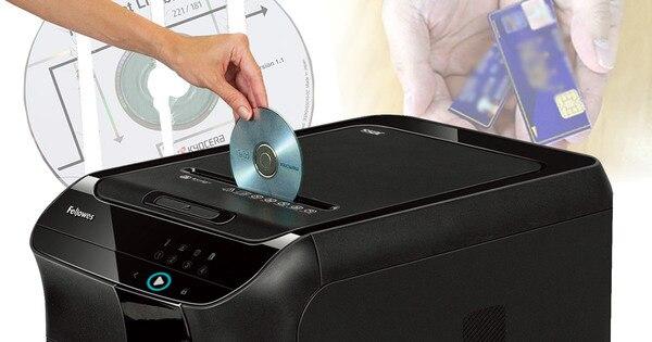 カード・CDも細断できるオートフィードシュレッダー